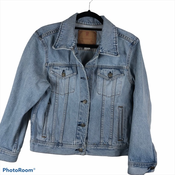 Abercrombie and Fitch Light Wash Denim Jacket